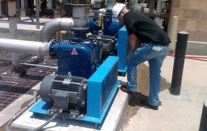 Why Does a Self-Priming Pump Lose Prime During Operation?